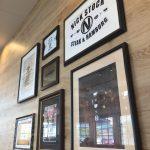 枚方の肉がうまいカフェ「NICK STOCK(ニックストック)」電源も完備。